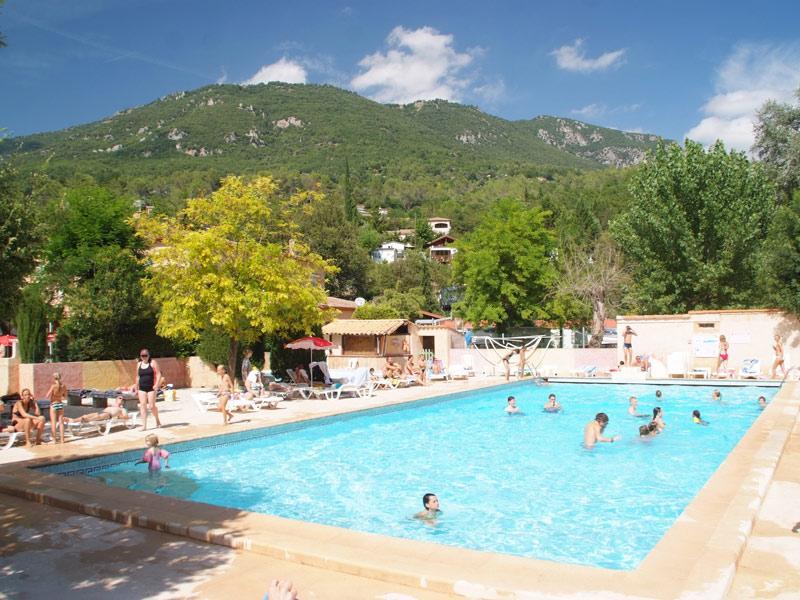 piscine du camping dans les alpes maritimes