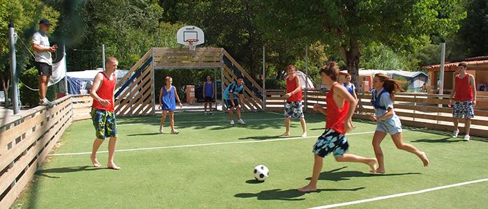 Photos de l'aire de jeux du camping du 06